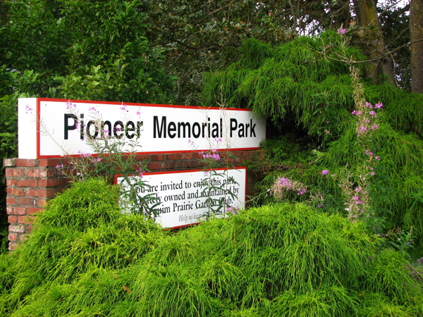 pioneerparksign.JPG