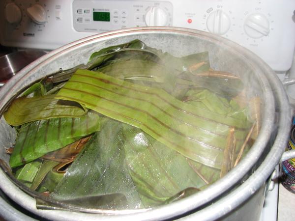 steaming-the-tamales.jpg